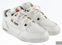 20世纪90年代正版苹果运动鞋将被拍卖 或达30000美元